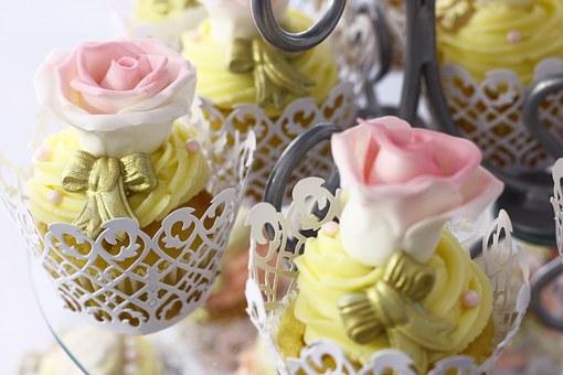 cupcakes-1149695__340
